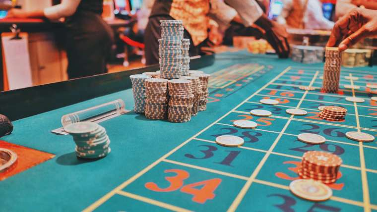 Important Lessons You Can Learn Through Gambling