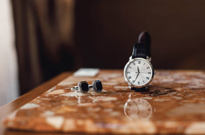 How to Choose A Watch for Men? Focus on Two Types of Watch Movements