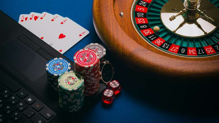 Why People Prefer Online Gambling More