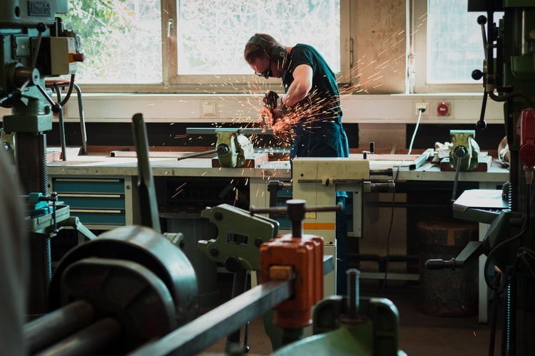 What Are the Drawbacks of Manufacturing Automation?